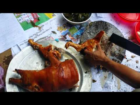 Món heo tộc nướng lá móc mật tại Bù Đăng