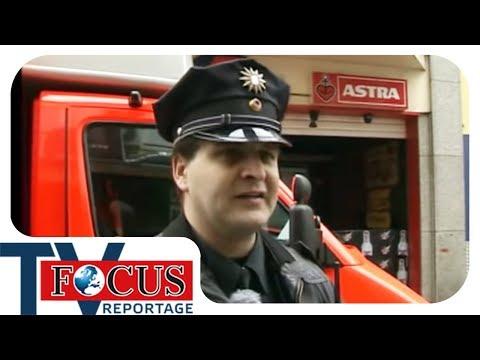 Nachts um halb eins!  St. Pauli zwischen Rot- und Blaulicht - Focus TV Reportage