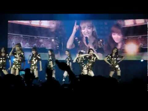 [fancam] SM Town Paris 10.06.2011 - SNSD performing Hoot and Oh! - HD