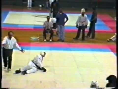 TKD vs Kung Fu - THE Groin Kick !