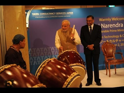PM Narendra Modi Turns Into Drummer - India TV