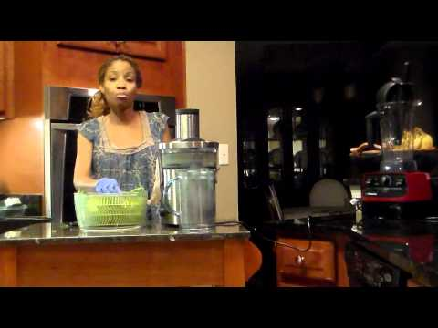 Day 56 of 365 Raw Food, Dandelion and Apple Juice Recipe