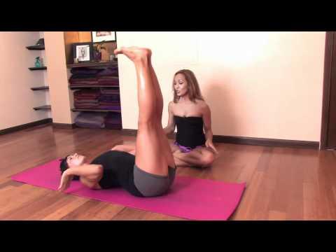 Ashtanga Yoga : Chakrasana, Backwards Rolling with Kino MacGregor and Daylene Christensen