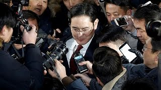 الاشتباه في تورط نجل مدير شركة سامسونغ في قضية فساد |