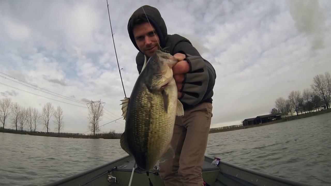 Winter bass fishing youtube for Bass fishing in winter