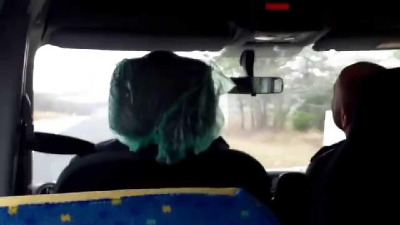 Șoferii de microbuze școlare încă nu știu toate butoanele