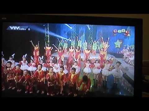 EmBi Club - Rước đèn tháng tám -  BiBi (Fancam TV)
