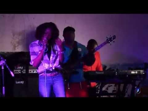Euridse - Mentira (Ao vivo em Angoche) 'silvermoz'