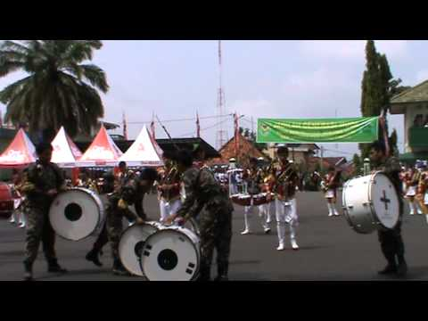 Drum band  bengkulu (KDBLI) display HUT Makodam II sriwijaya k-66