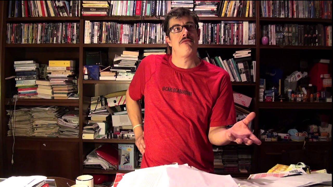 Olmo è il comico di camera cafè che interpreta il tecnico dei computer
