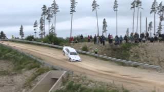 BMW 3-Series E36 làm xiếc trên trường đua rally