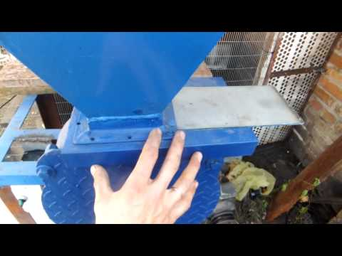 Вальцовая зернодробилка своими руками