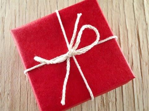 C mo envolver regalos de manera original youtube - Envolver libros de forma original ...