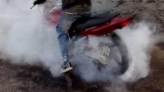 Moto Honda Twister 250 Quemando Goma,cubierta,caucho