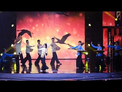 Về Miền Tây - Phương Mỹ Chi | HTV Award 2015 [Fancam HD]