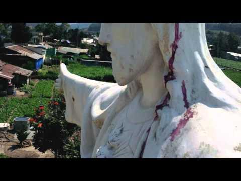 Tượng chúa giê su chảy máu