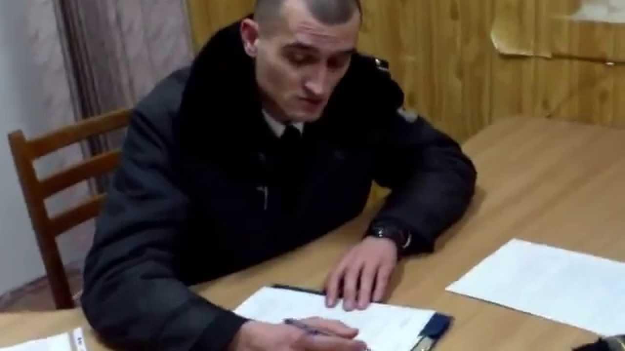 Poliția îți spune ce să scrii și sugerează ce să crezi