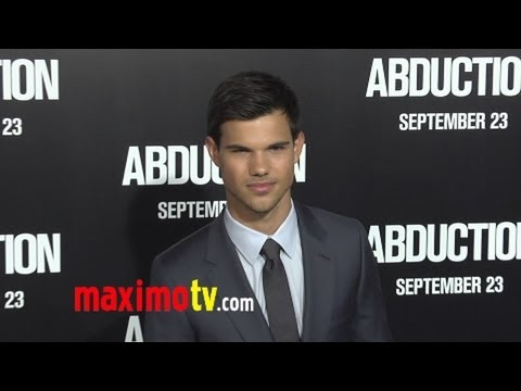 ABDUCTION World Premiere Arrivals Taylor Lautner - Justin Bieber - Selena Gomez