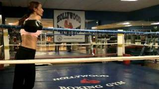 Gym Sparring Girl vs Guy