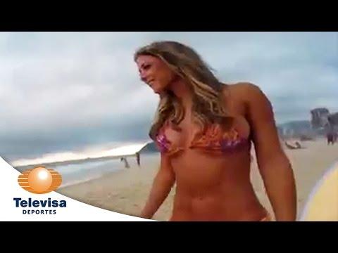 Vanessa Huppenkothen en playas de Brasil