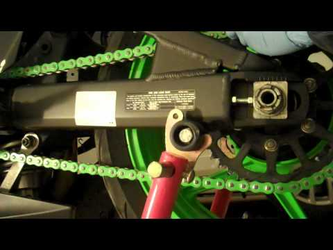 Sprocket and Chain Installation on a 07/08 Kawasaki ZX6R Part 4/4 Chain tension rear wheel alignment