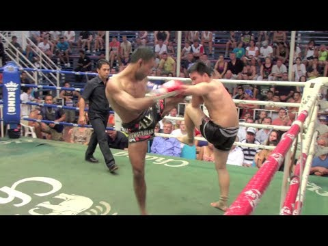 Alex (Tiger Muay Thai) vs Bovy Kiatnatee @ Bangla Boxing Stadium 3/1/2014