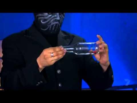 Hướng dẫn ảo thuật với nắp chai cực hay (shopaothuat.vn)