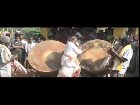 Rajyadikaram-Movie---Udhyamala-Kona-Oopiri-Song