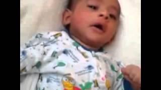 سبحان الله : طفل عمره شهرين يعطس ويقول الحمدلله | زووم