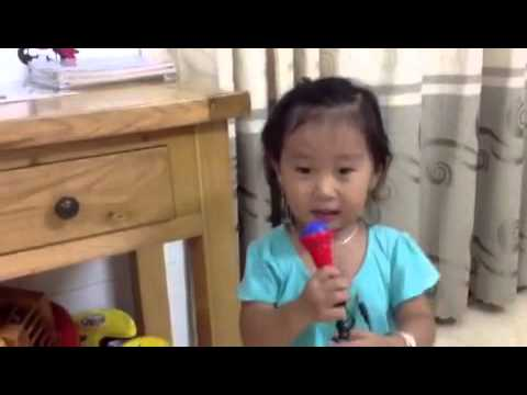Phương Mỹ Chi nhí hát Áo mới Cà Mau