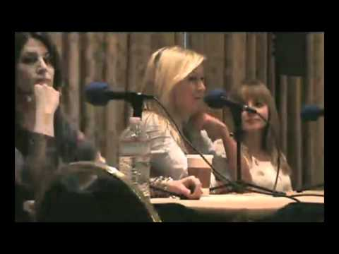 BroNYcon Interview with Ashleigh Ball, Andrea Libman, and Nicole Oliver! (4/5)