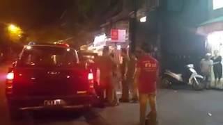 Chấn động: Đội Công an đạp và bắt phóng viên lên xe ôtô đưa về đồn