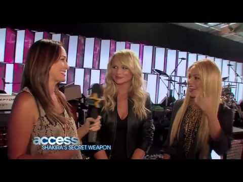 [facebook.com/shakiraineditos] | Shakira y Miranda Lambert en The Voice