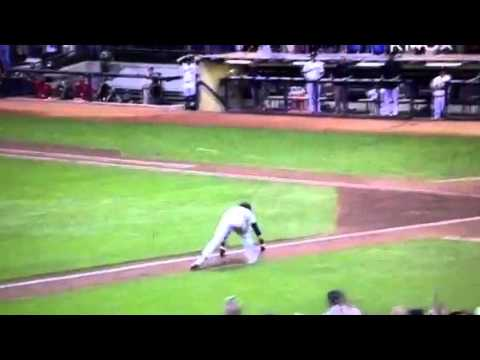Ryan Braun Falls On His Face