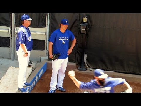 Clayton Kershaw & Brian Wilson in Bullpen Before Ryu Pitches 7-13-14