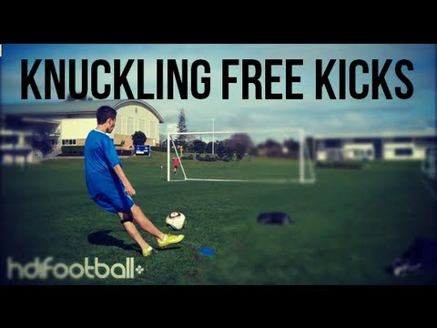 Ronaldo Style Knuckling &amp; Dipping Free Kicks