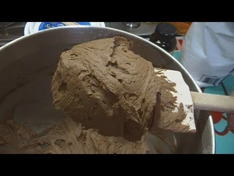 Quick and Easy Chocolate Buttercream Frosting: Noreen's Kitchen