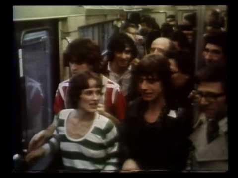 Issu du premier album du groupe Téléphone, sorti le 25 novembre 1977. (P) Pathé-Columbia C066 14506
