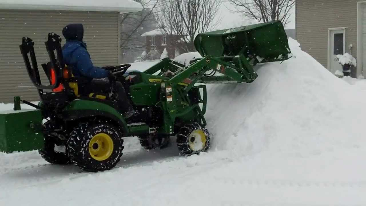 John Deere Snow Plow : John deere r plowing snow youtube