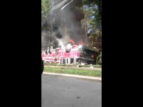 4 N.C. firefighters injured after fire truck overturns