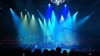 Ho Ngoc Ha Live Concert 2011 - Opening & Invincible [Dec 15 2011]