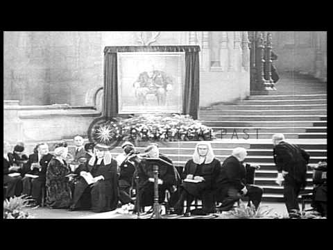 24 Април 1953 г. – Уинстън Чърчил е ръкоположен за рицар от кралица Елизабет II.