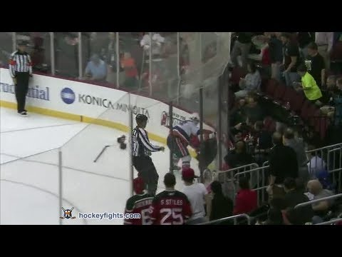 Joe Diamond vs Stephen Gionta Sep 19, 2013