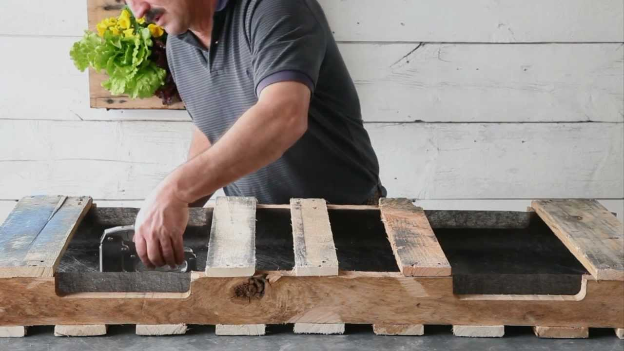 How to make a pallet planter youtube for Planters made out of pallets