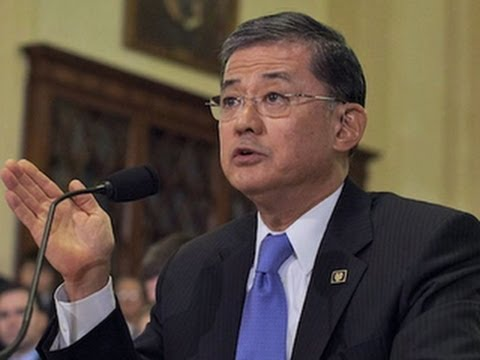 V.A. secretary to stay: Shinseki rejects calls to resign amid care concern