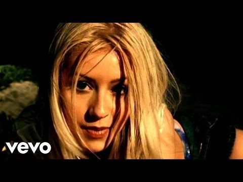 Christina Aguilera - Genie In A Bottle (Remix), Music video by Christina Aguilera performing Genie In A Bottle. (C) 1999 BMG Entertainment