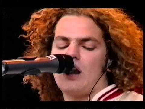 Toploader, Dancing In The Moonlight, live at Glastonbury 2000