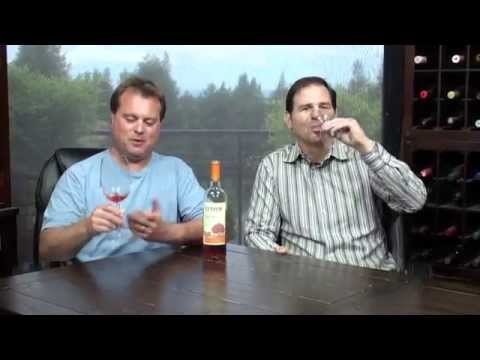 Wine Reviews by Thumbs Up Wine Review:  Want a tip for one of the best White Zinfandels that you're ever going to taste?  Here it is…Fetzer's 2013 Valley Oaks White Zinfandel.  Along with an amazing wine, you get some triple-your-money action because this bottle is an $18 value that you can find for only $6 (or less)!  Click below and download our free wine review app, and you'll always find the best bottles when you're shopping in the wine aisle: iPhone: https://itunes.apple.com/us/app/wine-finder-by-thumbsupwine.com/id537442643?mt=8 Android: https://play.google.com/store/apps/details?id=com.thumbsupwine.ads  Check out our website: http://www.thumbsupwine.com/  For advance notice on new wines and to win prizes: Like us on Facebook: https://www.facebook.com/ThumbsUpWineReview Follow us on Twitter: https://twitter.com/ThumbsUpWine