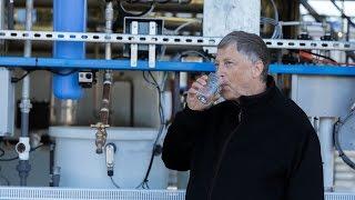 Bill Gates tomou água da máquina que transforma esgoto em água potável