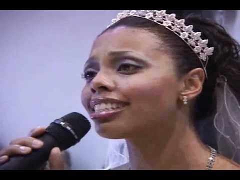 Grace cantando no casamento - Meu Eterno Namorado - Aline Barros